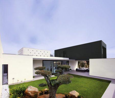 747_vivienda-unifamiliar-m-c3-a9rida-coverlam-basic-negro-100x300_web Francisco Barba Triguero